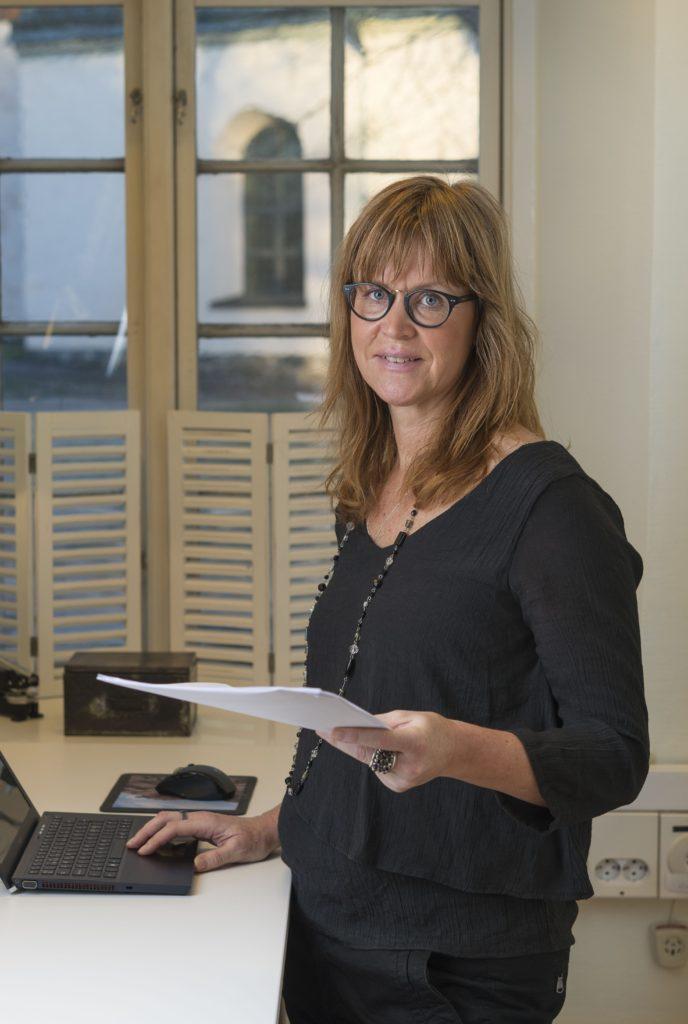 <![CDATA[Stresscoachen Sofia Singemo får hjälp med ett konsultavtal. Foto: Mikael Ackelman]]>