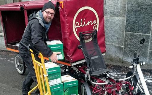 Deras affärsidé: Få fler transporter med väderskyddad elcykel