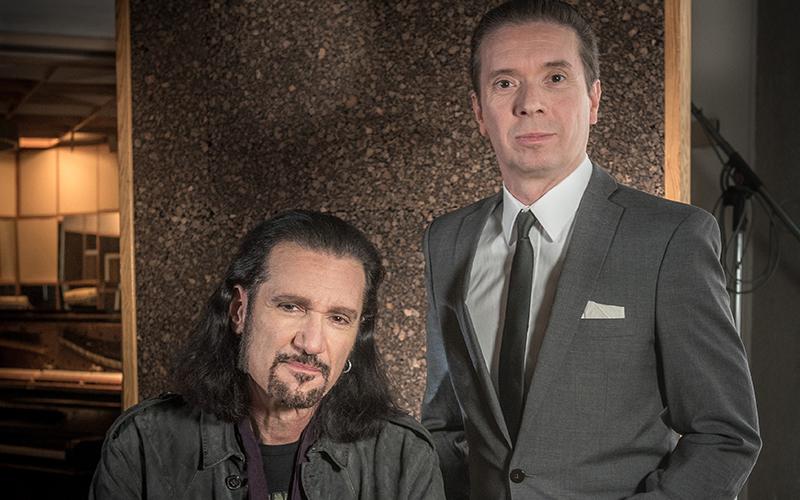 <![CDATA[Robert Haglund med Kiss-gitarristen Bruce Kulick, en av många världsartister som medverkar på skivan. Foto: Mattias Lindh]]>