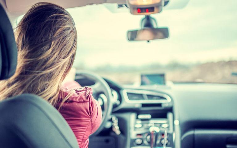 Tjänstebil eller privatbil – vi hjälper dig välja rätt
