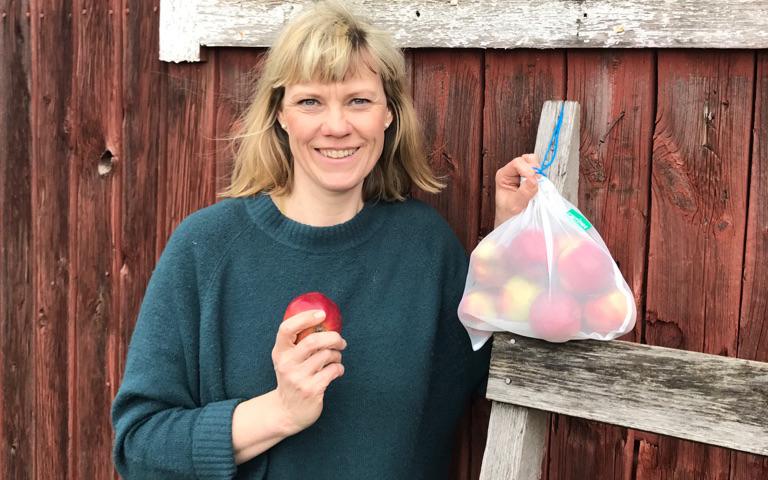 Hennes fruktpåsar räddar miljön – och säljer som smör