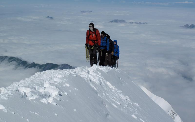 Han utmanar kundernas komforten på Mont Blanc.