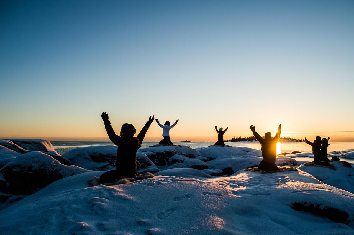 Yoga på is är en affärsidé som funkar. Foto: Aurora safari camp