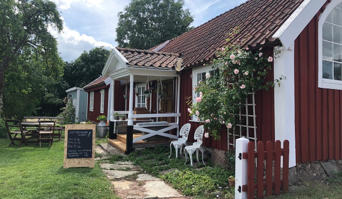 I en gammal konstnärsateljé har Ekenäs hantverksbageri öppnat.