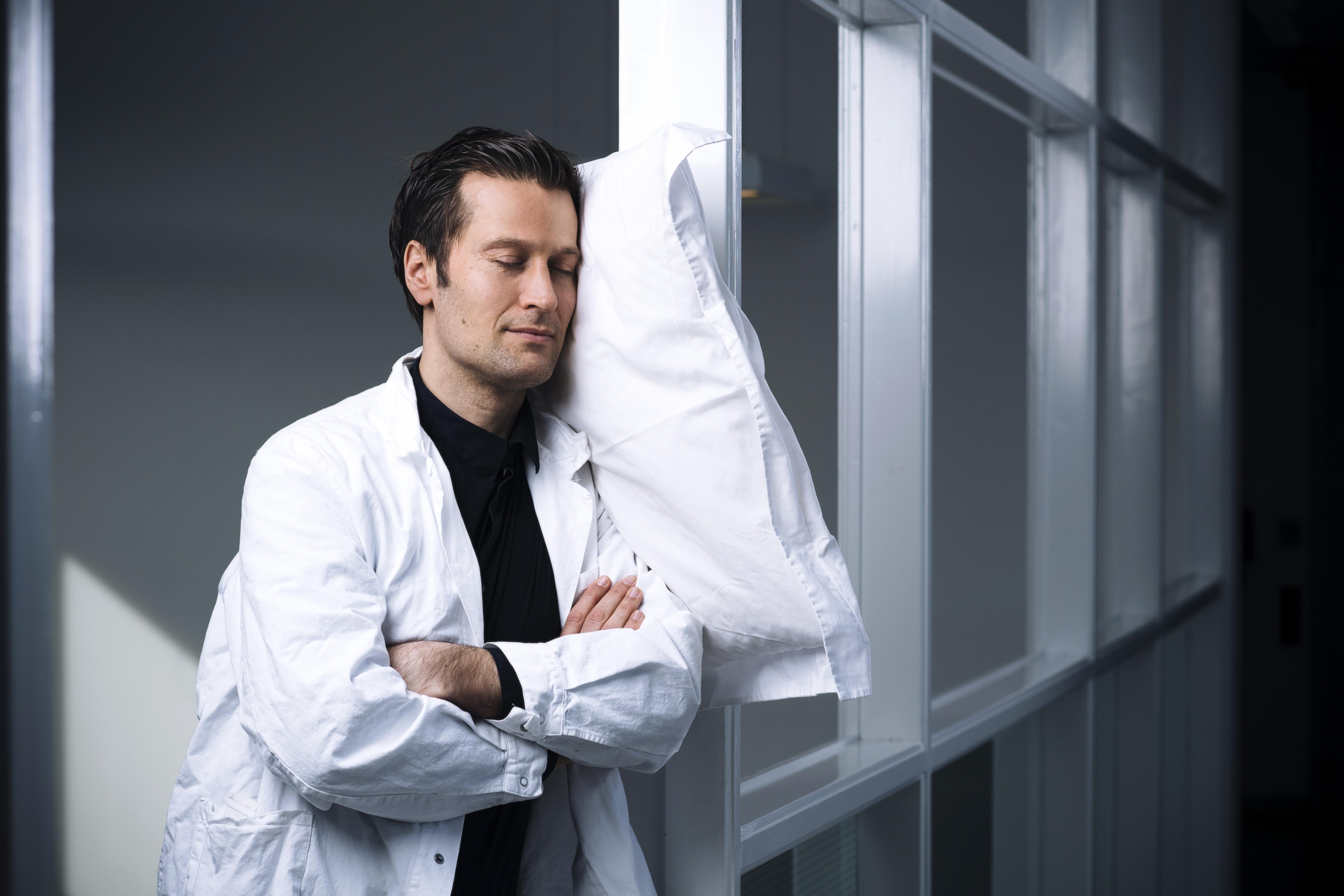 Lär dig sova som sömndoktorn Christian Benedict och hinn mer. FOTO STEFAN TELL