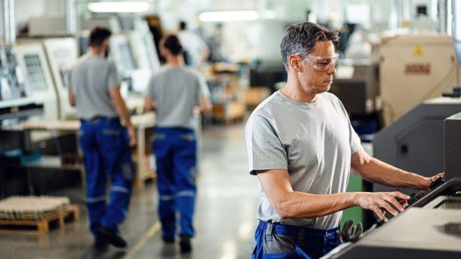 Vilka anställda omfattas av stödet för korttidsarbete (korttidspermittering)?
