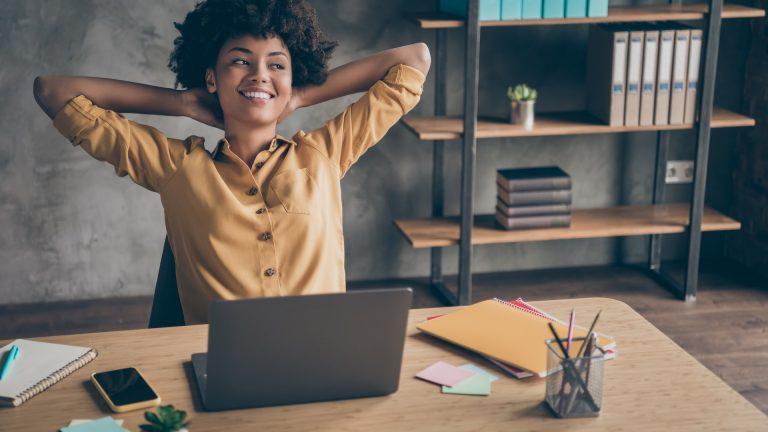 Kan enskild firma söka stöd för korttidsarbete (korttidspermittering)?